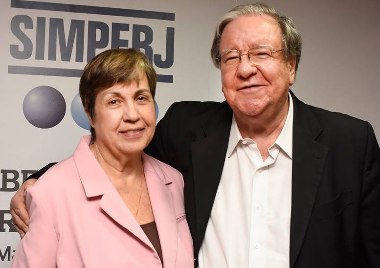 Na foto, o ex-deputado Ricardo Maranhão e sua esposa, Sra. Mariah Maranhão.
